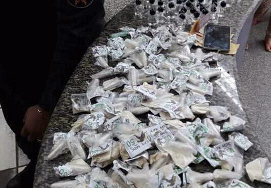 POLÍCIA APREENDE GRANDE QUANTIDADE DE  MATERIAL ENTORPECENTE EM ITAPERUNA
