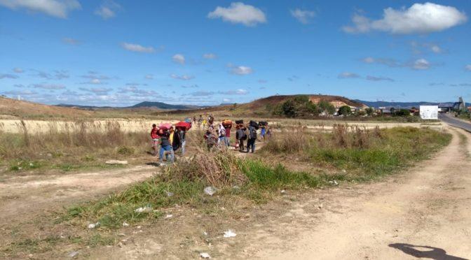 'Estamos morrendo de fome': o que dizem venezuelanos que desafiam fronteira fechada e fogem para o Brasil