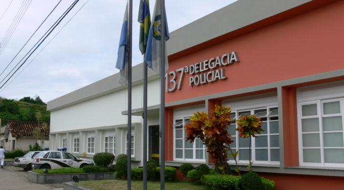 POLÍCIA APREENDE DROGAS EM PÁDUA E APERIBE NO FINAL DE SEMANA