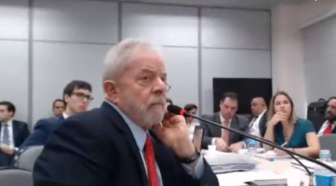 Lula fica calado durante duas horas em depoimento na PF de Curitiba