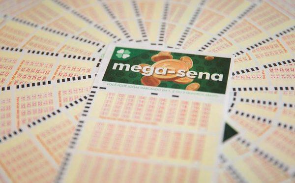 Megas-Sena sorteia neste sábado prêmio estimado em R$ 40 milhões