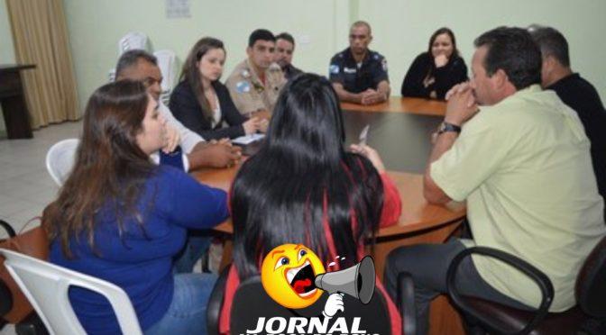 ATENDIMENTO A PESSOAS COM PROBLEMAS PSIQUIÁTRICOS É TEMA DE REUNIÃO NA CÂMARA DE VEREADORES DE PÁDUA