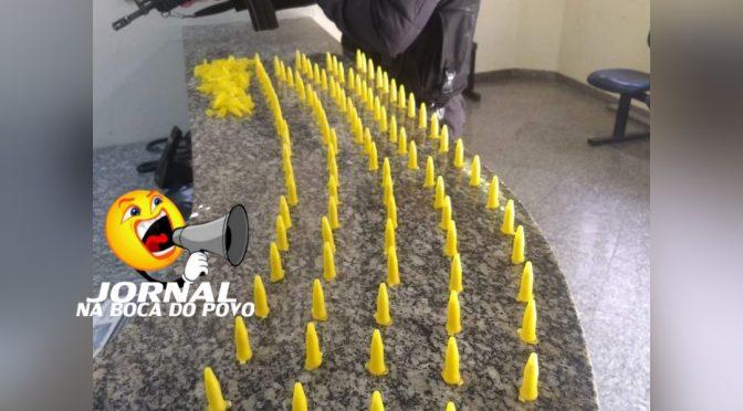 Polícia Militar prende mais de 100 pinos de cocaína em Itaocara