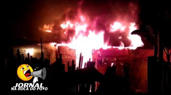 Elementos incendeiam casa de morador no bairro Cidade Nova em Pádua