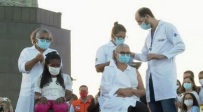 Em cerimônia no Cristo Redentor, RJ inicia vacinação contra a Covid-19